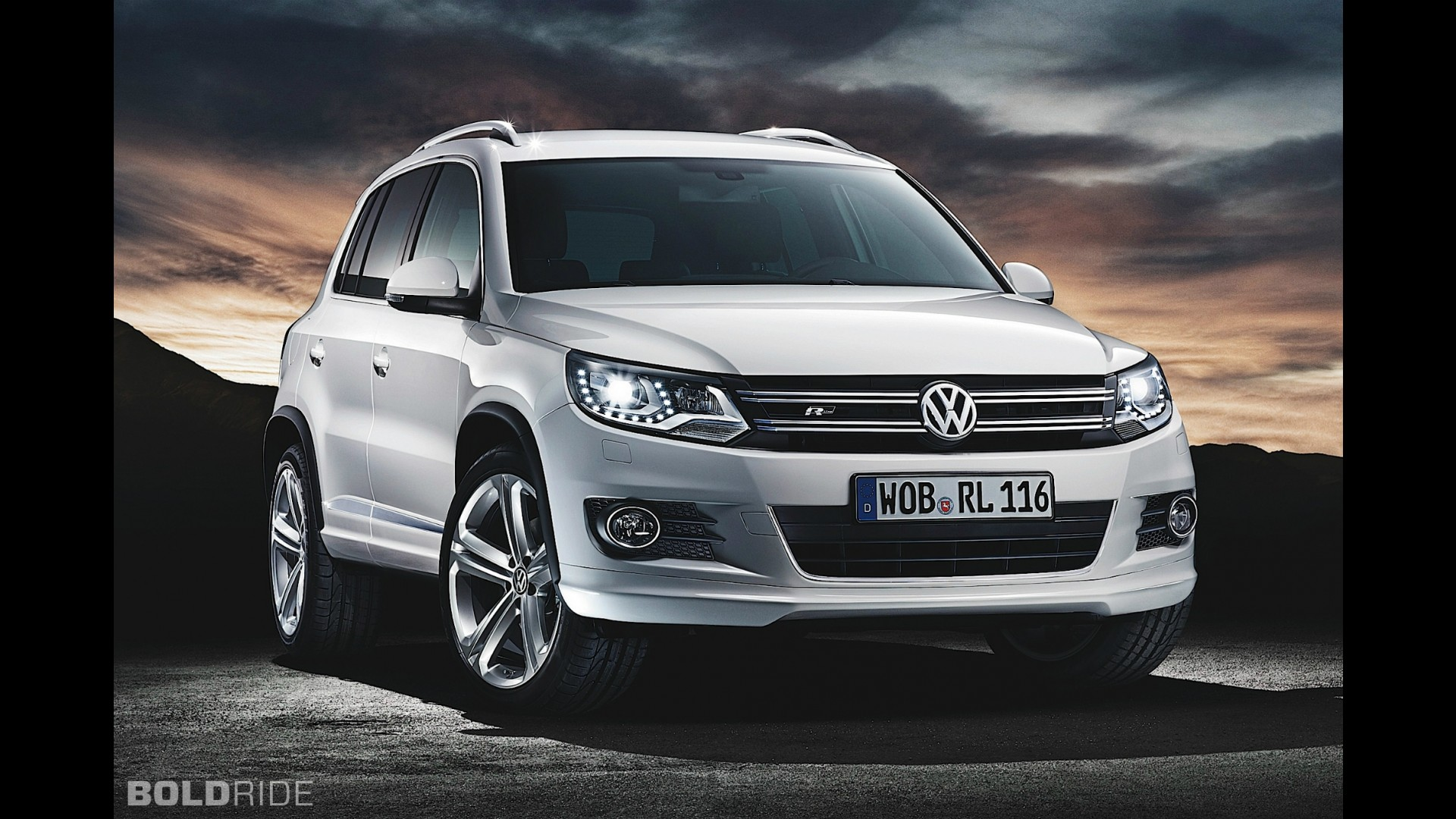 volkswagen tiguan r line. Black Bedroom Furniture Sets. Home Design Ideas