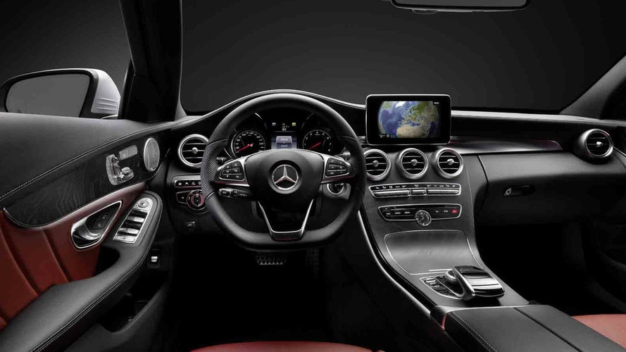 Mercedes-Benz shows 2014 C-Class interior cabin