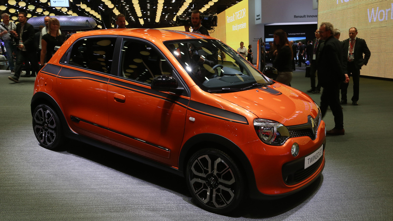 renault twingo gt in paris proves good things come in. Black Bedroom Furniture Sets. Home Design Ideas