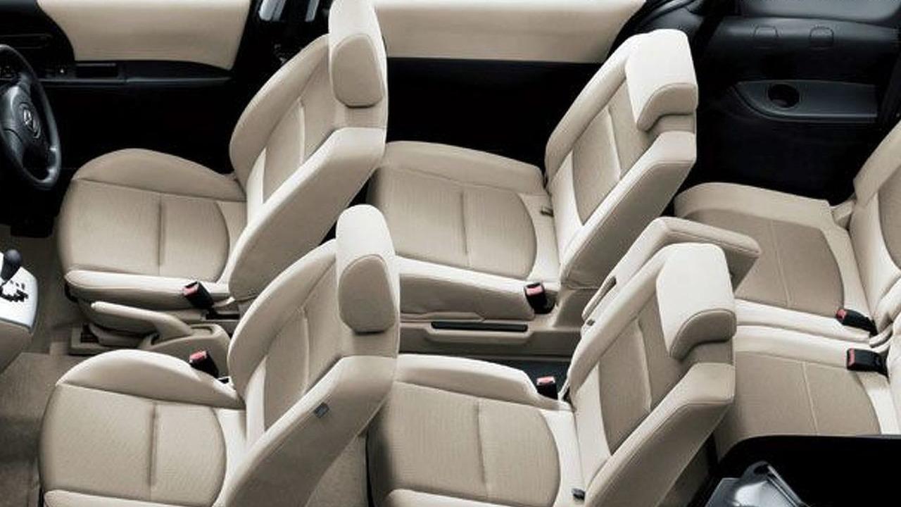 Mazda Premacy (23S) Interior
