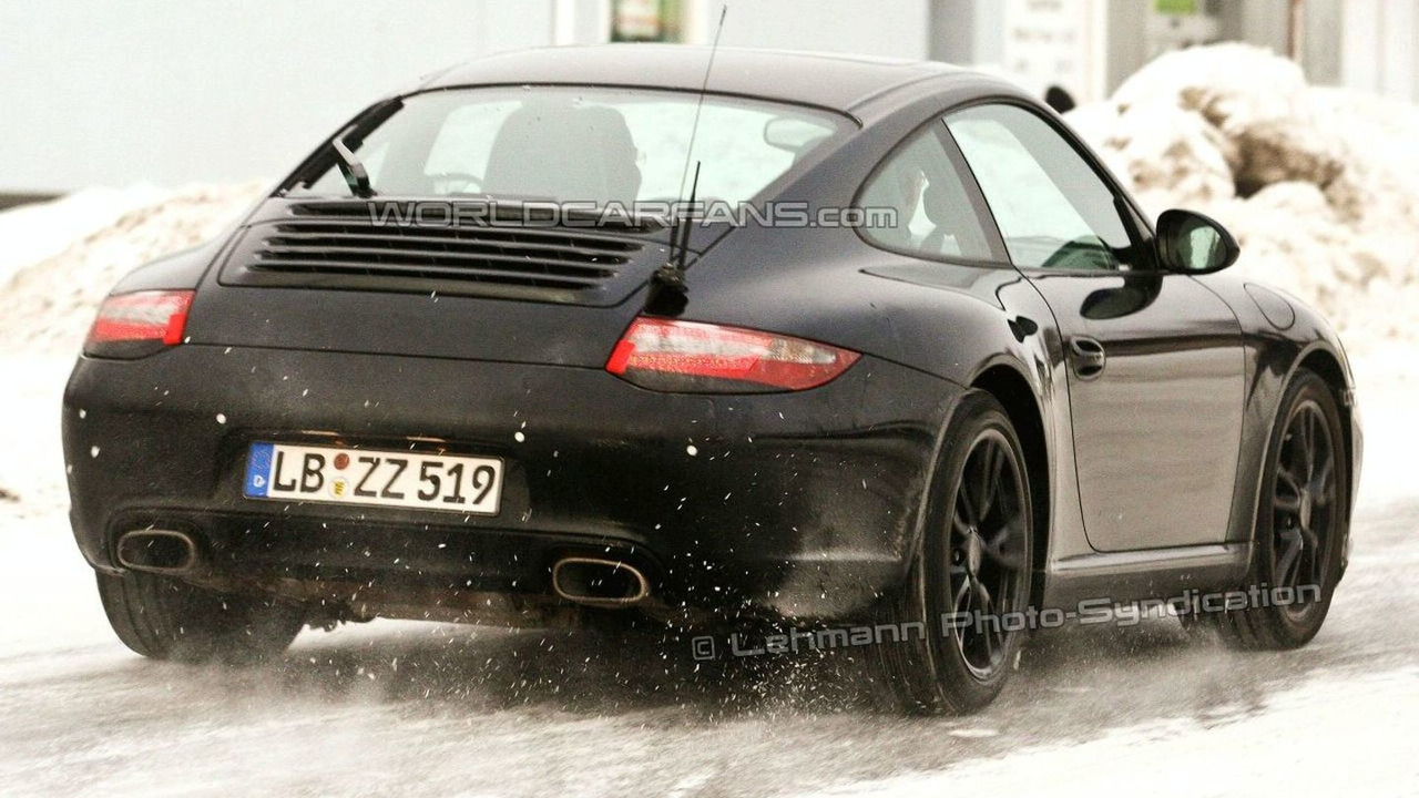 Porsche 911 facelift spy photos