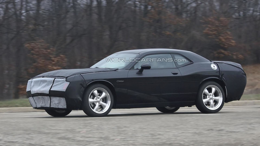 2015 Dodge Challenger to get an eight-speed automatic, more powerful V8s - report