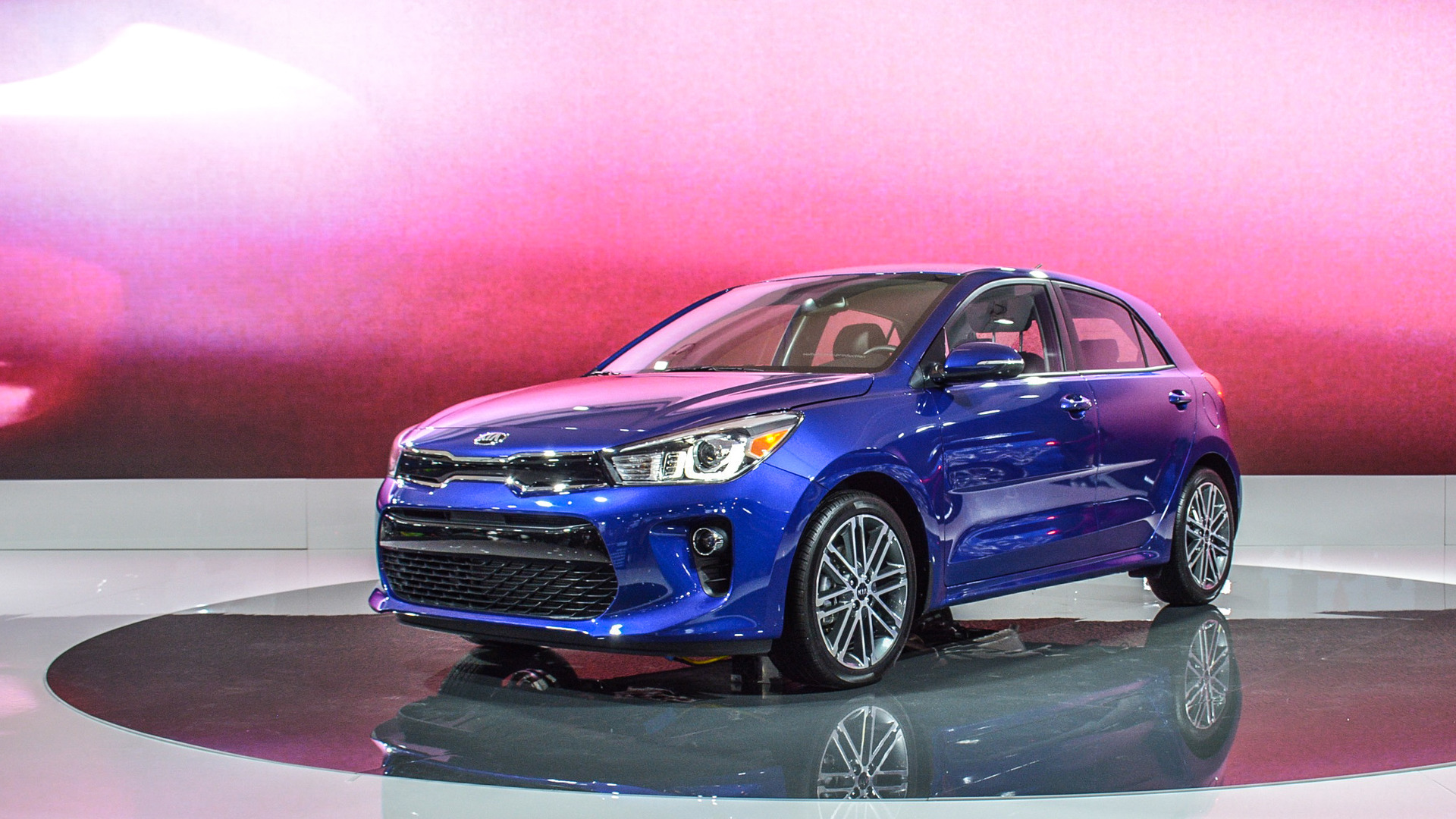 2018 kia rio 5 door unveiled in montreal. Black Bedroom Furniture Sets. Home Design Ideas