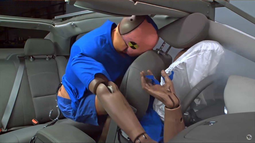 Study Shows People Aren't Buckling Up In The Back Seat