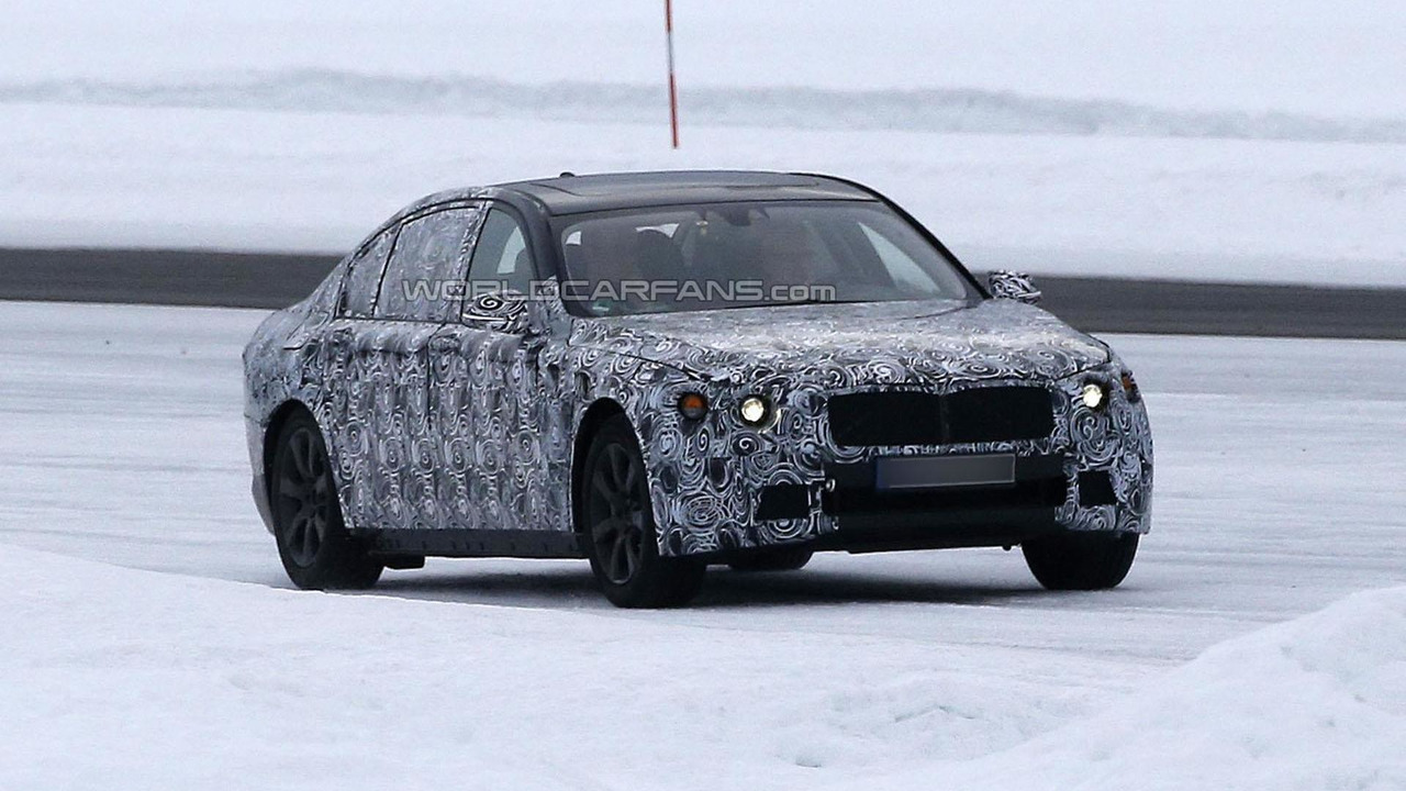 2015 / 2016 BMW 7-Series spy photo