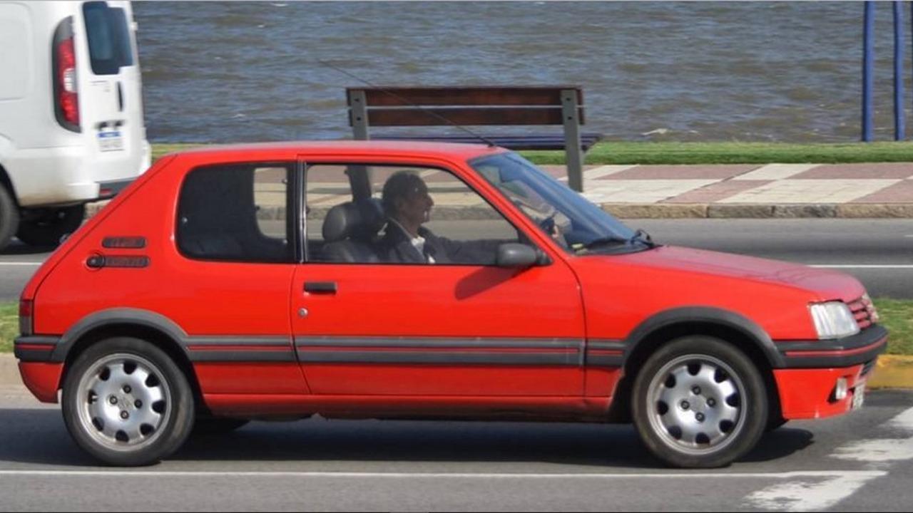 Carros exóticos no Uruguai