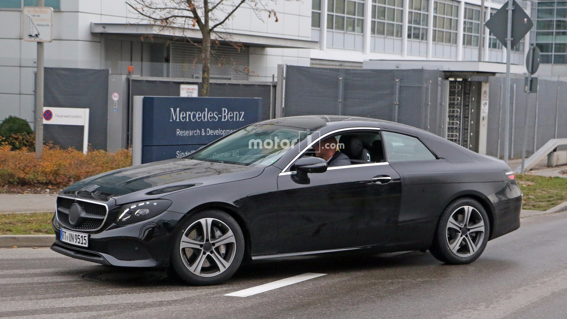 2018 mercedes e class coupe caught performing final testing. Black Bedroom Furniture Sets. Home Design Ideas