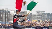 Daniel Ricciardo, Red Bull Racing con la bandera de México