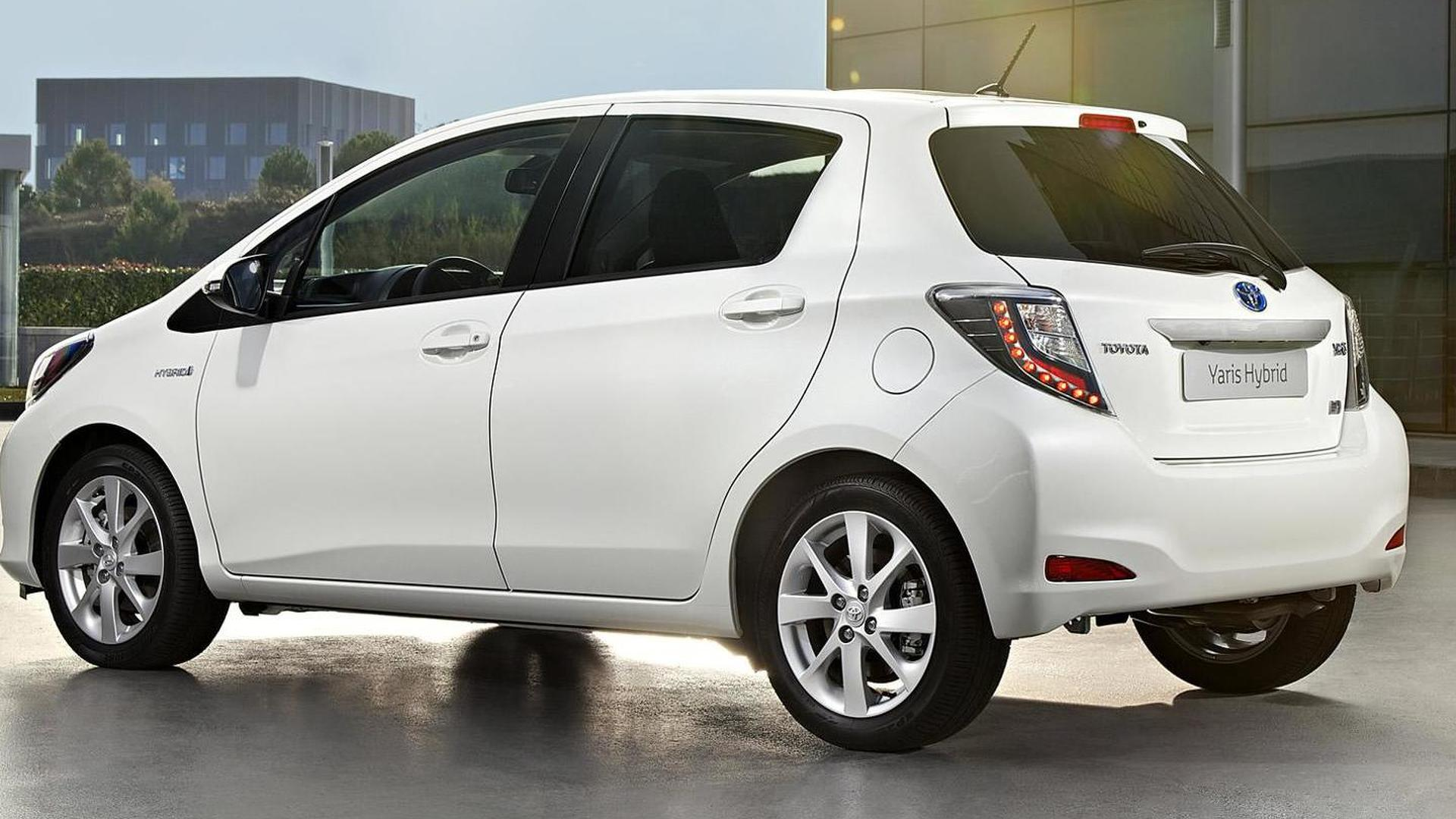 new 2013 toyota yaris hybrid specs and prices announced de. Black Bedroom Furniture Sets. Home Design Ideas