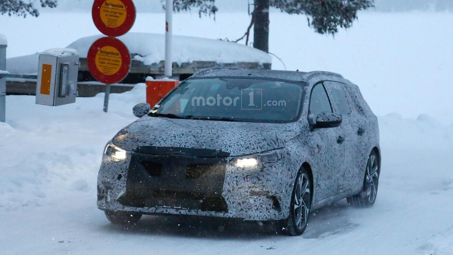 Renault plans second Geneva premiere, likely Megane Sport Tourer