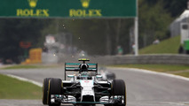 Nico Rosberg (GER) Mercedes AMG F1 W05 trialling titanium skid blocks to promote sparking / XPB