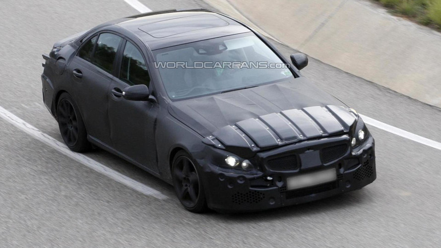 2014 Mercedes-Benz C-Class in-depth details available