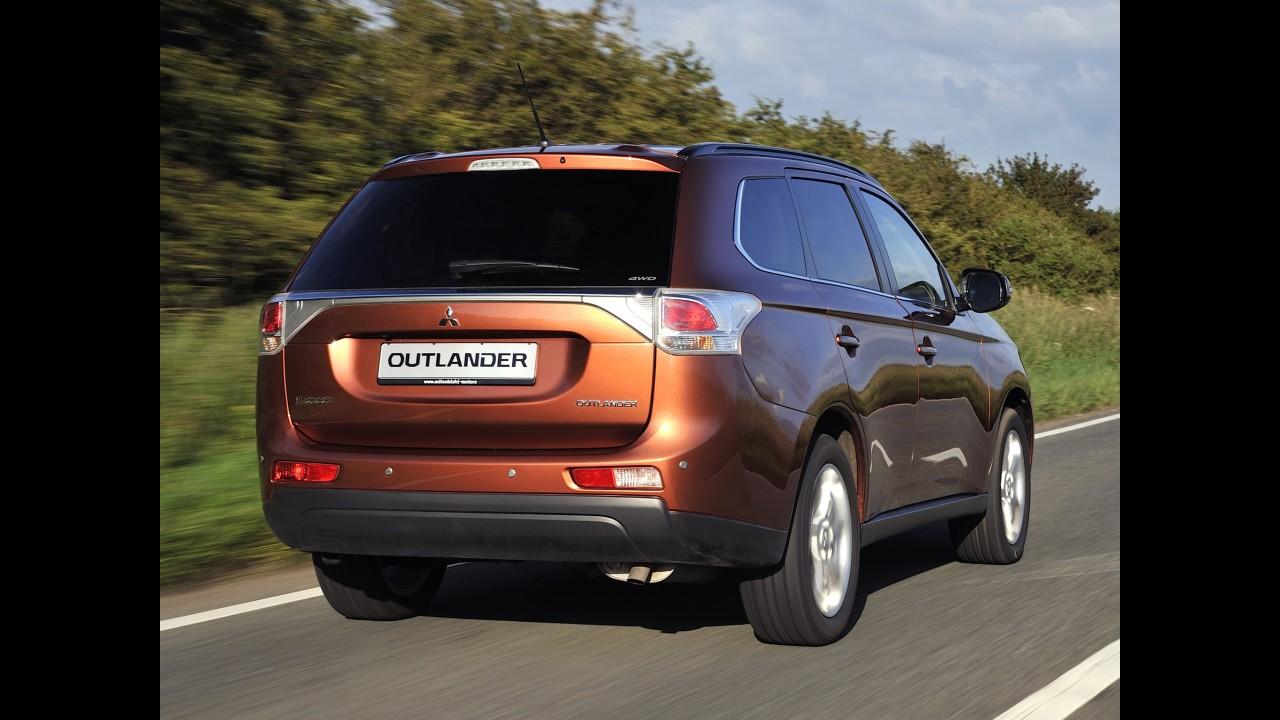 """Não agradou! Mitsubishi promete """"corrigir"""" visual do Outlander ainda neste ano"""