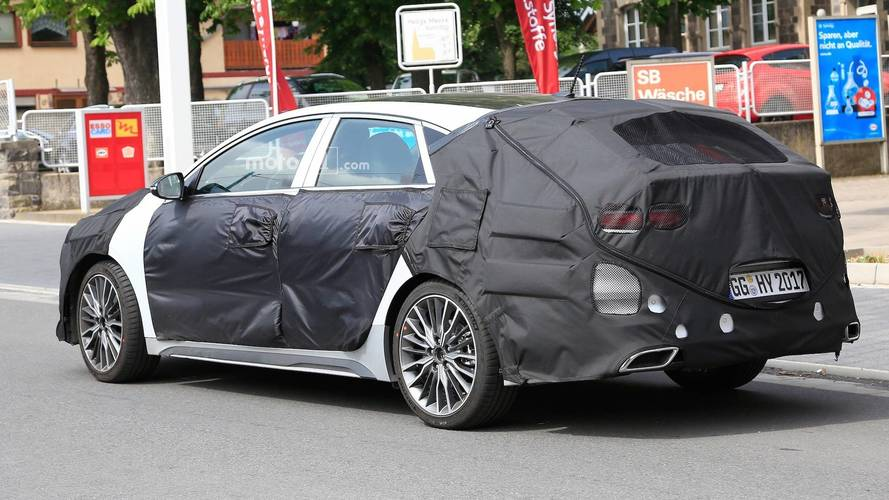 kia proceed shooting brake spied for the first time. Black Bedroom Furniture Sets. Home Design Ideas