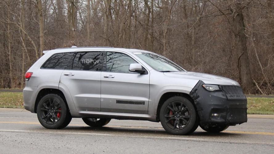 2018 Jeep Grand Cherokee Trackhawk spy photo