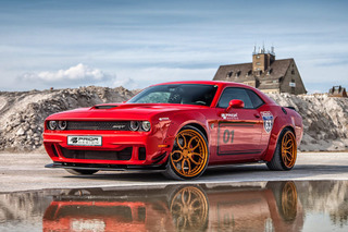 900-HP Challenger Hellcat Widebody Has a Flair for the Dramatic