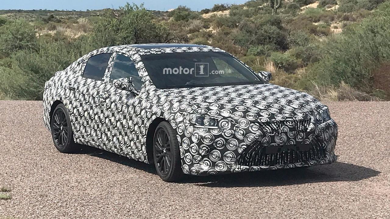 2019 Lexus ES casus fotoğrafları