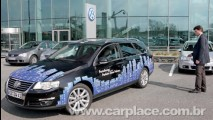 VW mostra carro que estaciona sozinho sem motorista em SP - Veja o vídeo