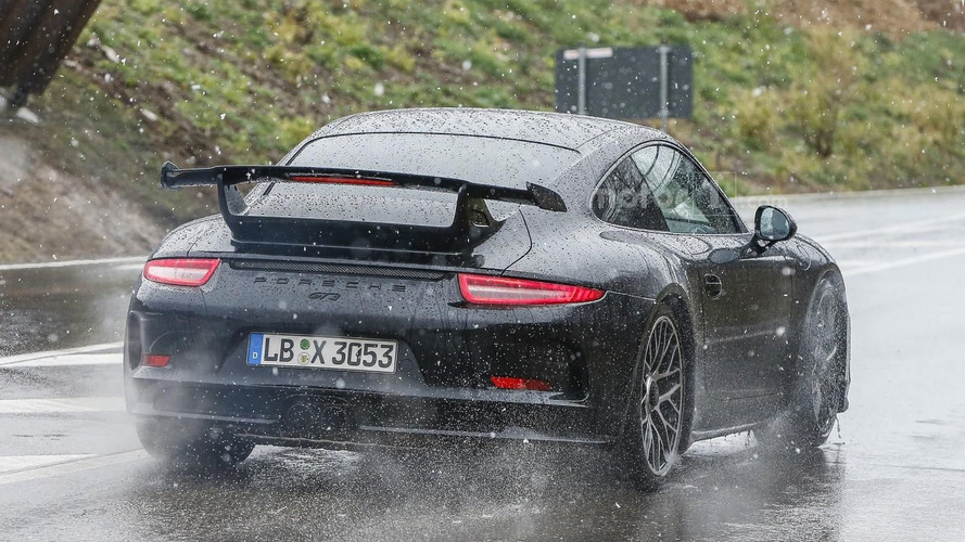 2017 Porsche 911 GT3 spied showing its new face