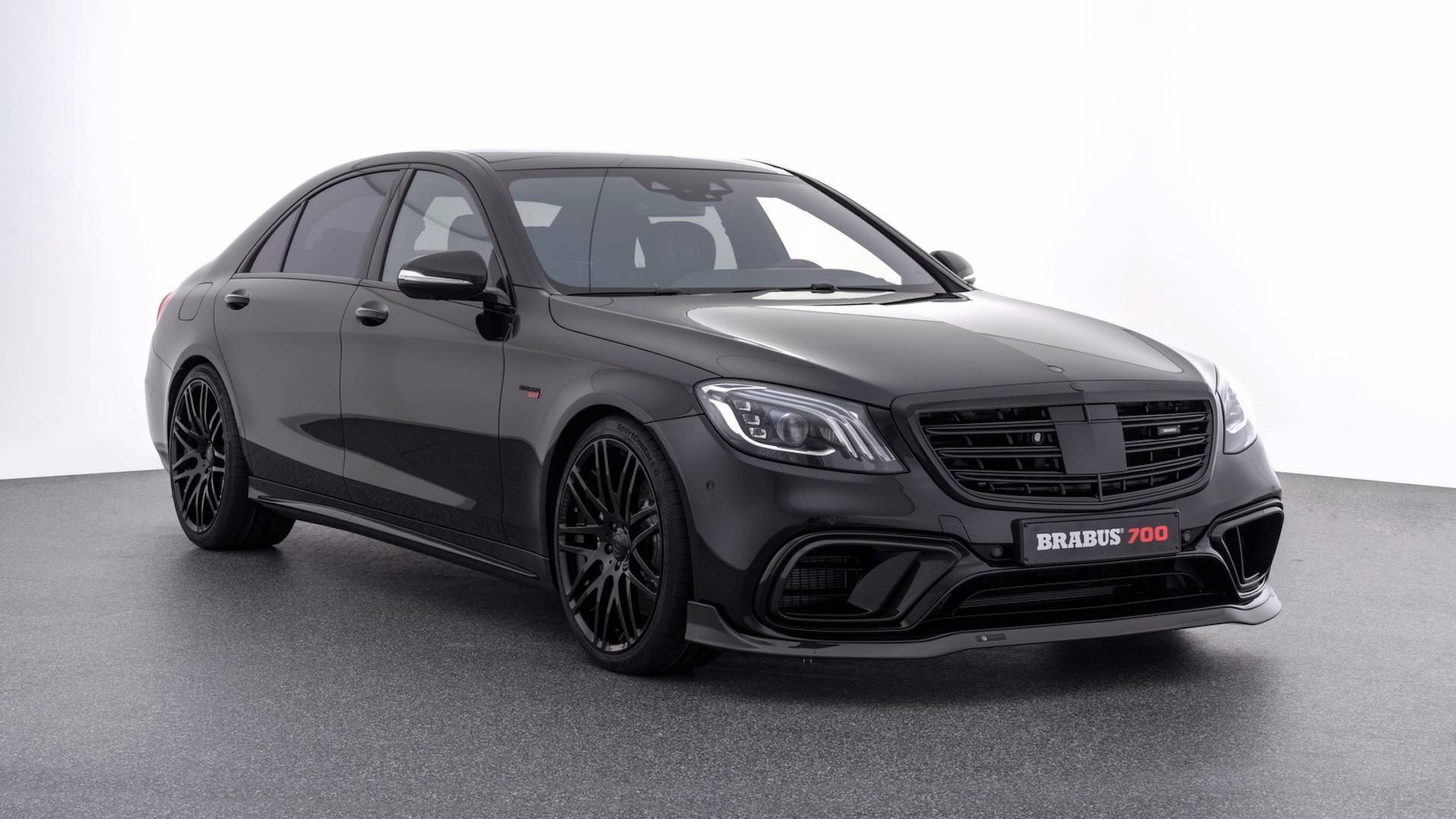 brabus mercedes amg s63 maybach s650 dialed up to 700 and 900 hp. Black Bedroom Furniture Sets. Home Design Ideas
