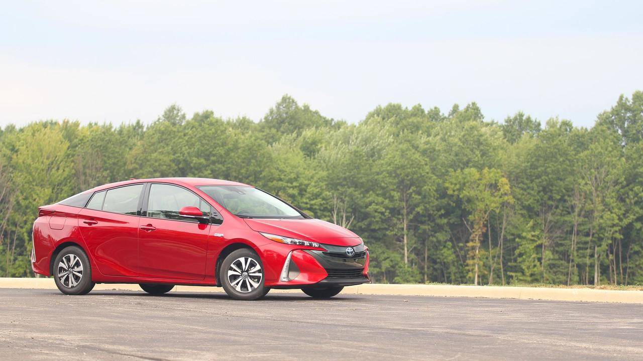 Beautiful 2017 Toyota Prius Prime Review Photo