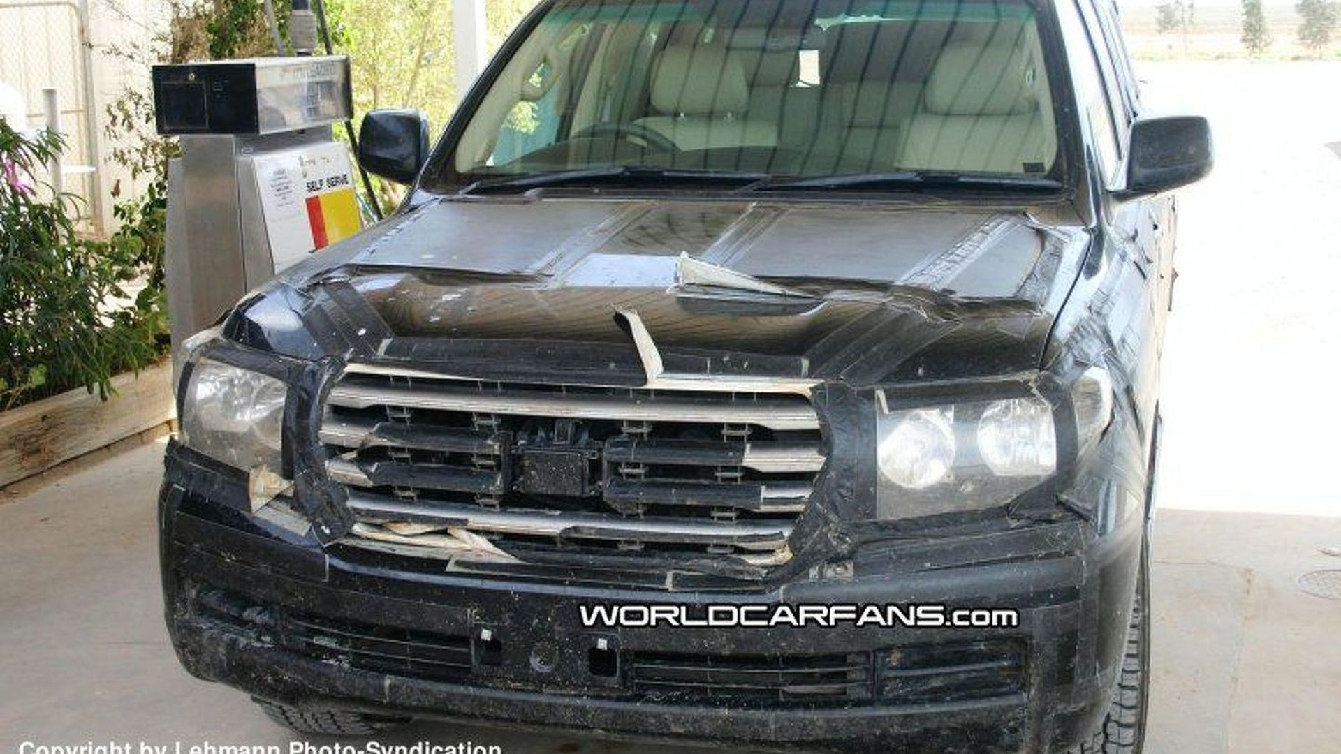 Spy Photos More New Toyota Landcruiser