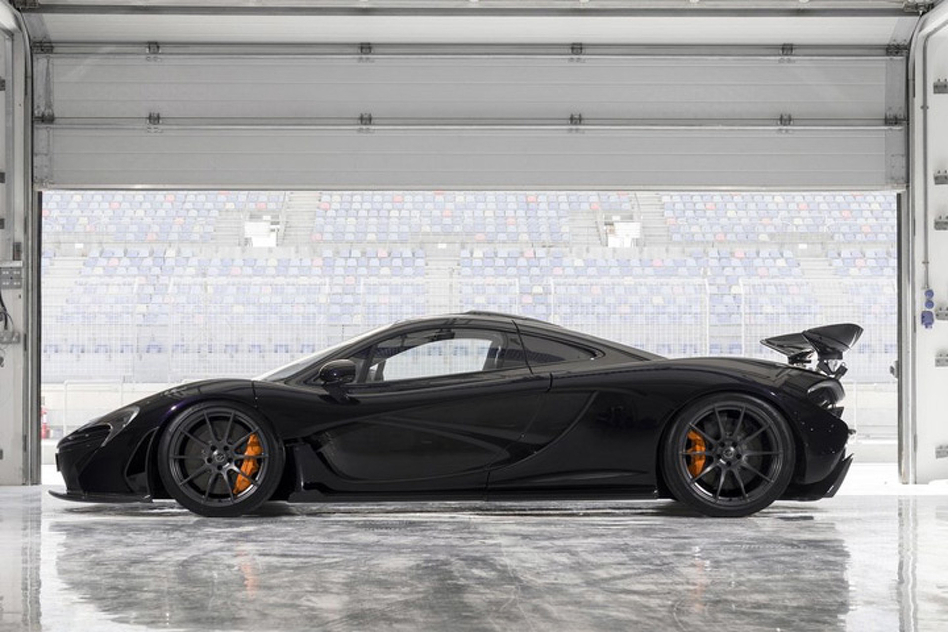 All 20 Carbon Fiber McLaren P1s Sell Out Quickly