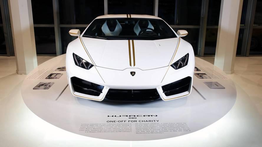 Ferenc pápa Lamborghini Huracán modellje