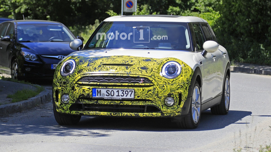 Mini Clubman Facelift Makes Spy Photo Debut