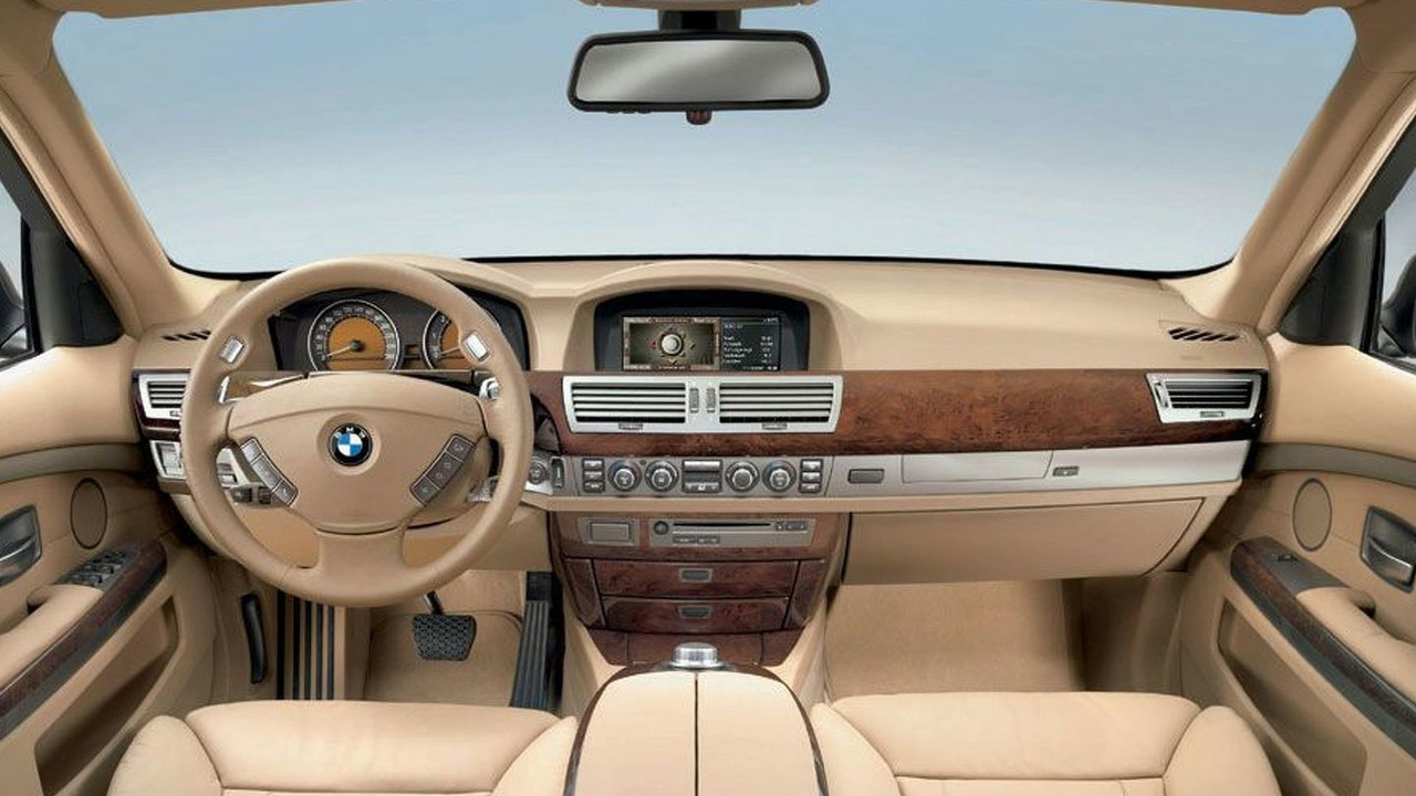 BMW 7 Series interior - Spring 2005 facelift