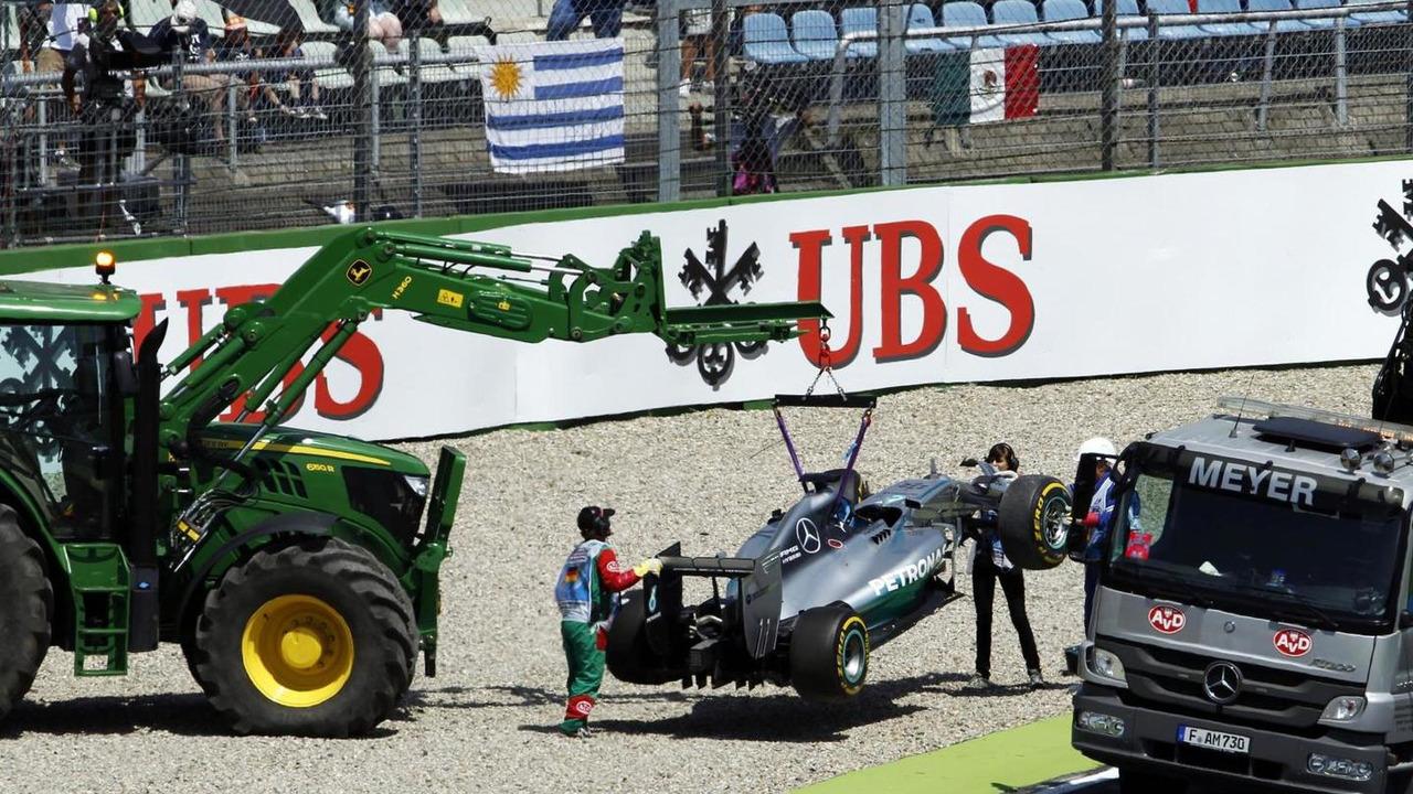 The Mercedes AMG F1 W05 of Lewis Hamilton (GBR) / XPB