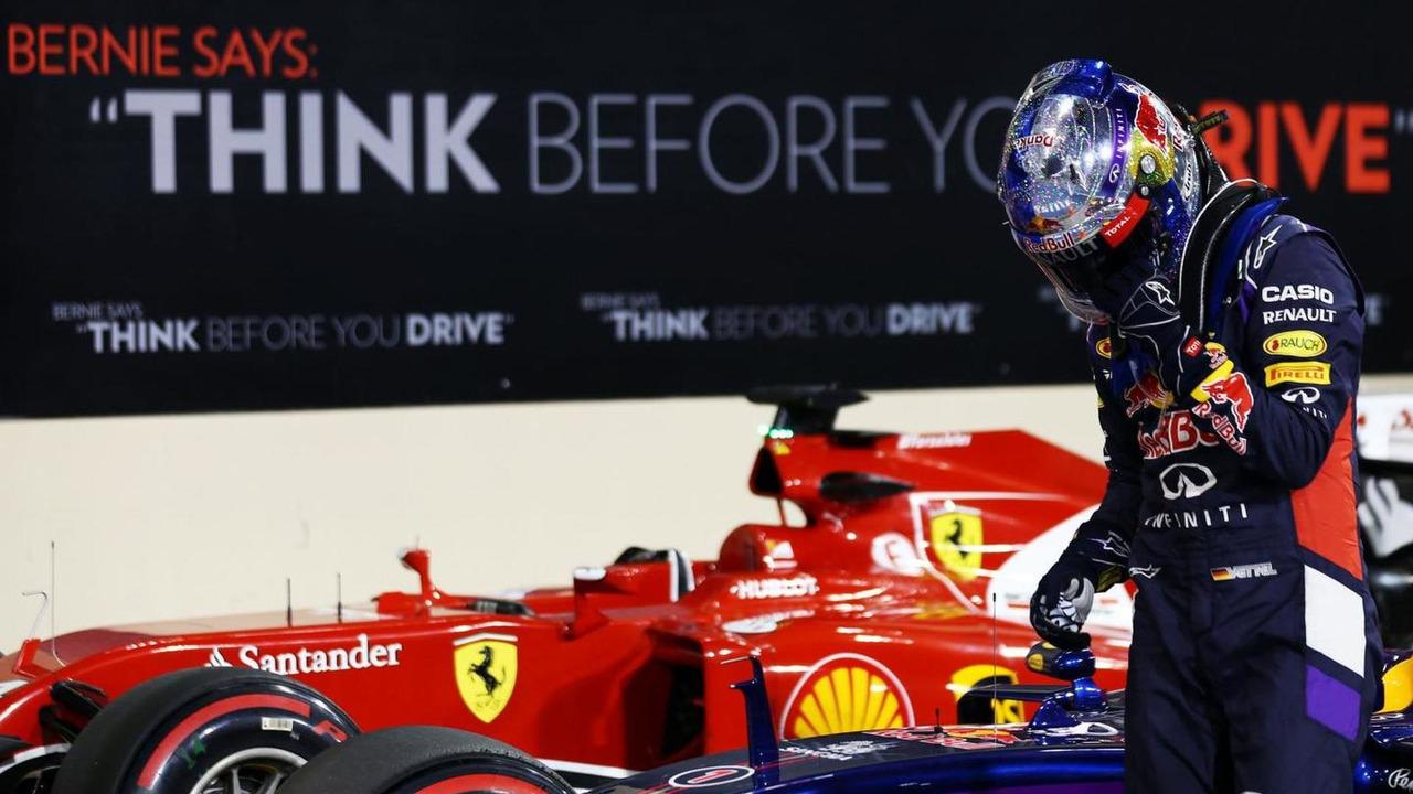 Sebastian Vettel (GER) with a message of thanks on his helmet, 22.11.2014, Abu Dhabi Grand Prix, Yas Marina Circuit / XPB
