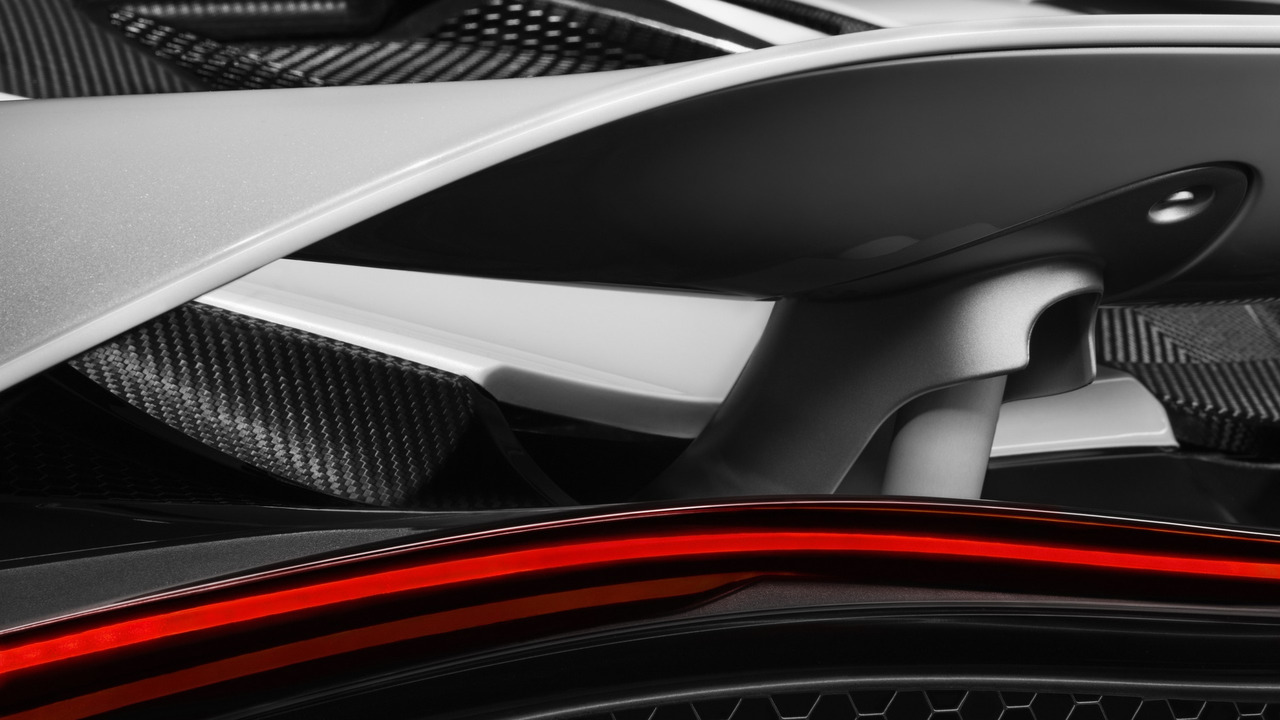 McLaren 650S successor rear wing