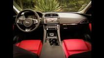 Teste CARPLACE: Jaguar F-Pace pega o Porsche Macan em seu primeiro desafio no Brasil