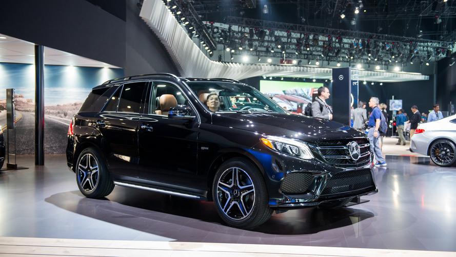 Yeni Mercedes-AMG GLE43 Los Angeles'ta kaslarını sergiliyor