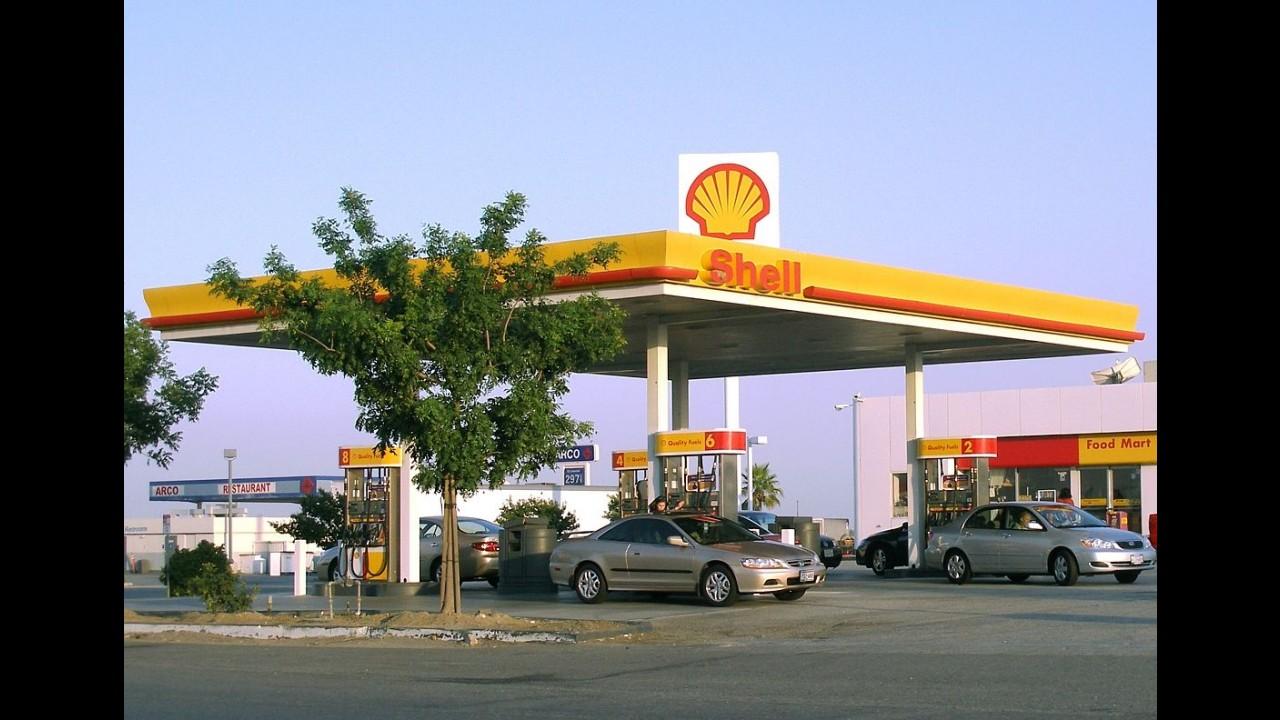 Estados Unidos comemoram menor preço da gasolina em 12 anos