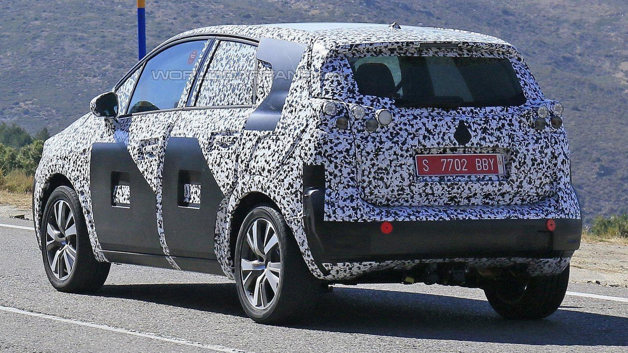 Opel Meriva successor spy photo