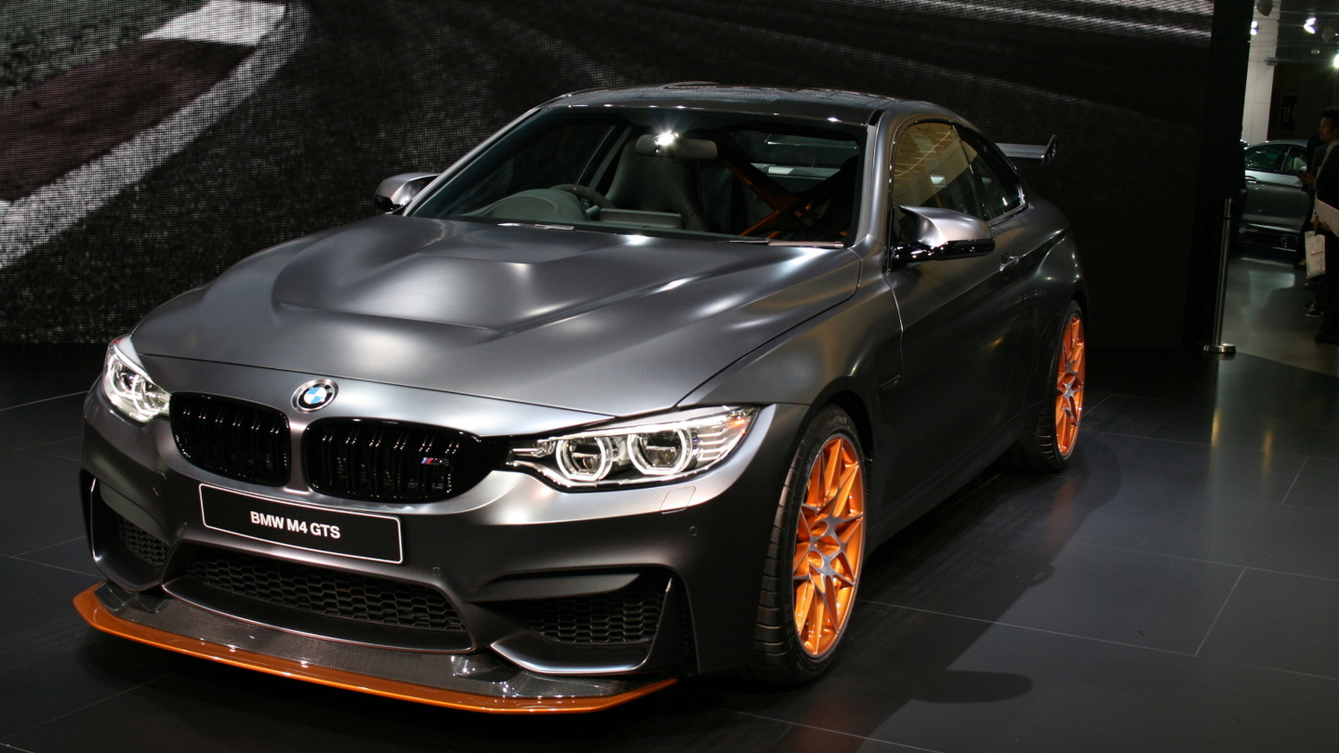 bmw m4 gts debuts in tokyo with 500 ps. Black Bedroom Furniture Sets. Home Design Ideas