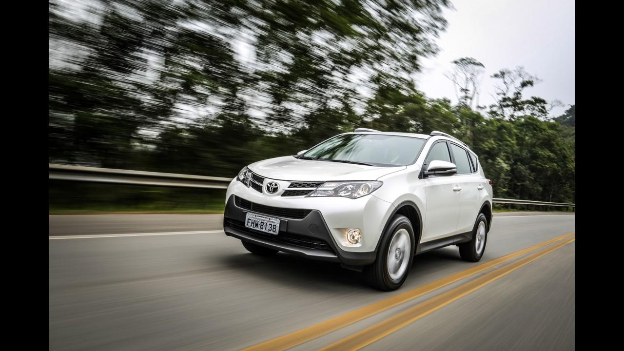 Toyota RAV4 2014 ganha acesso a internet - preço parte de R$ 101.820