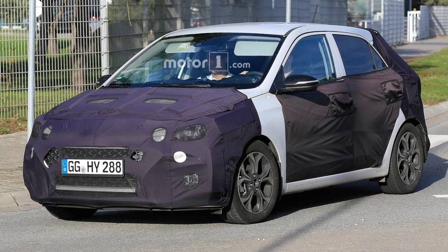 Hyundai i20 Facelift Spied Showing Off Its New Corporate Grille