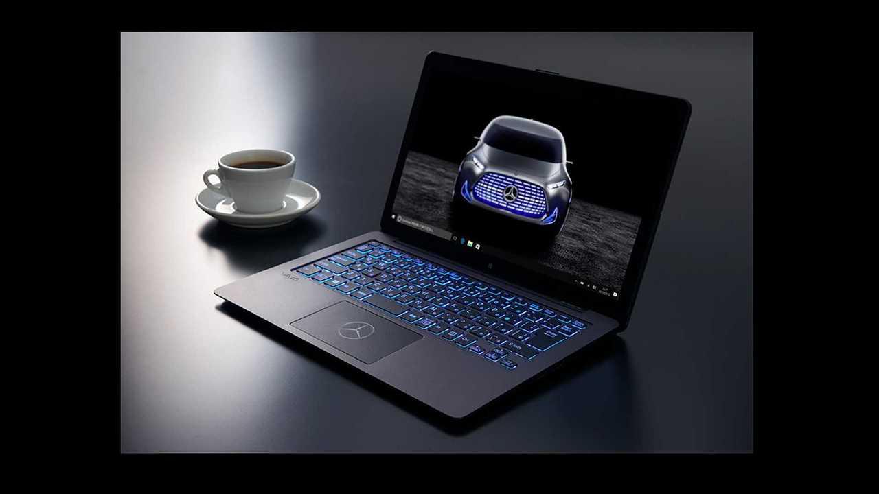 Mercedes-Benz  y Sony crean un ordenador portátil