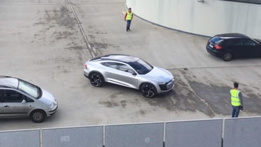 Parkolóház tetején bukott le az Audi E-Tron Sportback tanulmány
