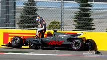 Romain Grosjean, Haas F1 Team, Jolyon Palmer, Renault Sport F1 Team RS17
