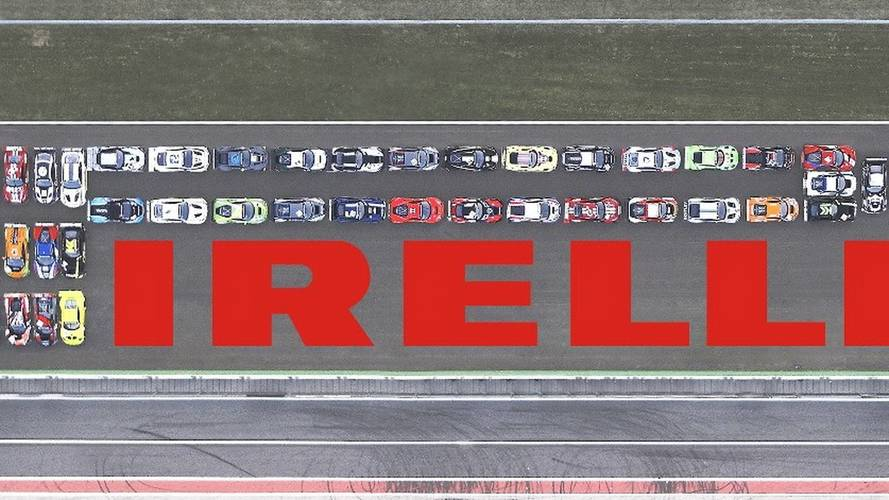 Pirelli recreates logo using GT3 cars at Monza