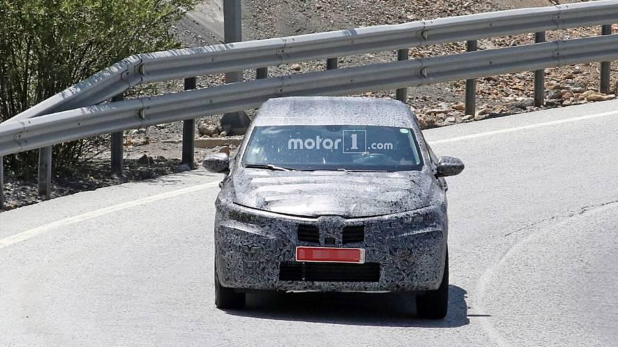 Renault Captur Coupe spy photos