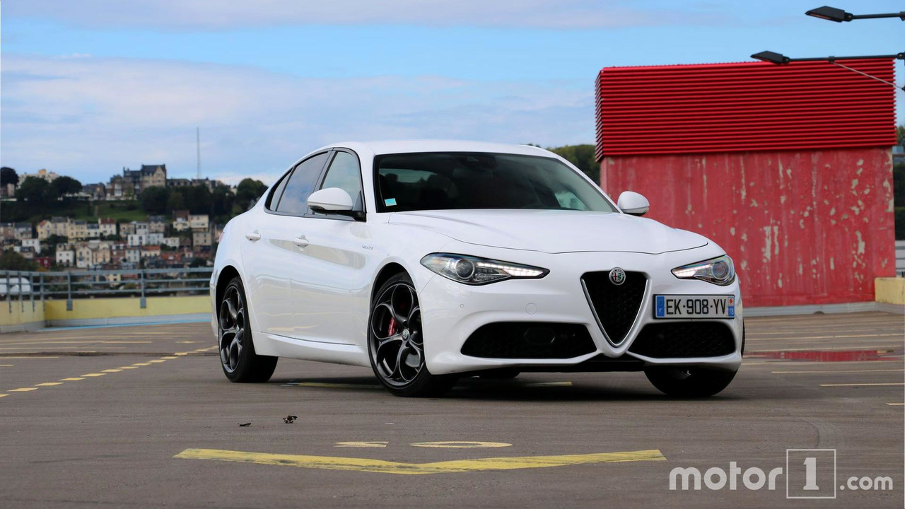 une nouvelle version de l alfa romeo giulia avec 350 ch. Black Bedroom Furniture Sets. Home Design Ideas