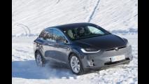 Tesla Model S, 1000 km tra neve, autostrada e tante salite