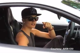 Justin Bieber Stops His Ferrari 458 to Bitch Out Photographer