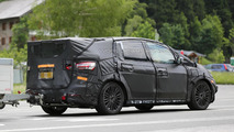 2015 Ford S-Max spy photo