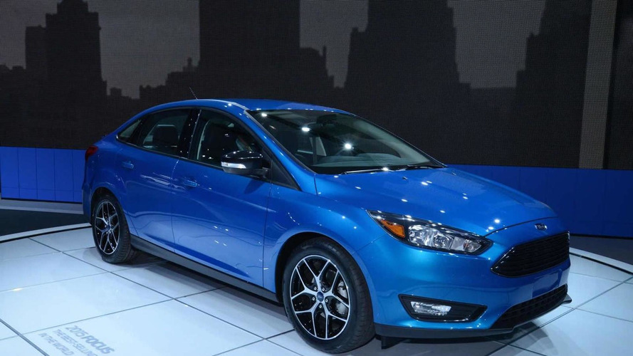 2015 Ford Focus Sedan brings its fresh face to New York Auto Show